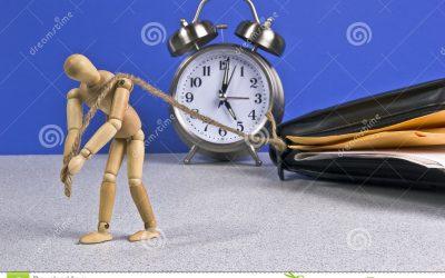 El Congreso apremia al Gobierno a obligar a las empresas a llevar un registro de horas trabajada